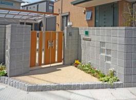福岡県大野城市 Y様邸 門まわり 新築外構 デザイン エクステリア カーポート 門扉