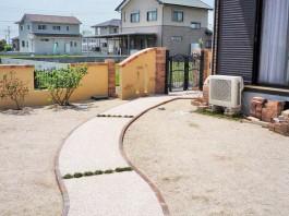 佐賀県神埼市 T様邸 玄関アプローチ施工例