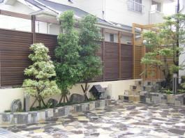 福岡県春日市 G様邸 花壇施工例