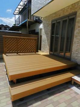 福岡県春日市S様邸ウッドデッキ・ガーデンのデザイン。