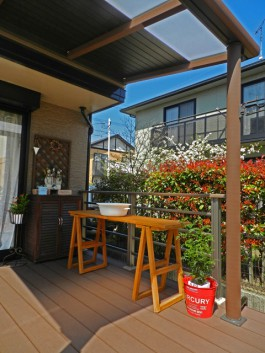 福岡県大野城市T様邸ウッドデッキとテラス屋根ガーデン工事。