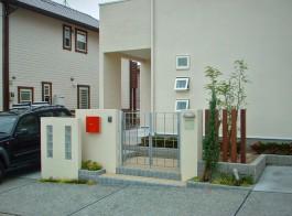 福岡県小郡市I様邸新築外構のデザイン例。シンプルモダンでおしゃれなエクステリア。