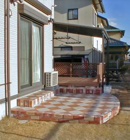 福岡県K様邸ガーデン・テラス・屋根・ウッドデッキのデザイン例。