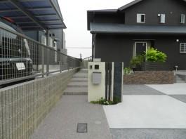 福岡県飯塚市T様邸新築外構のデザイン施工例。ナチュラルモダンなエクステリア。