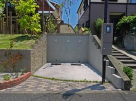 福岡県糸島市W様邸ガーデン工事のデザイン例。車庫も1台分増設リフォームしました。