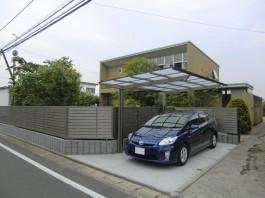 福岡県朝倉郡筑前町のカーポート工事。車庫の土間打ちやカーポートのリフォーム工事。