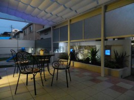福岡県大野城市の夜のライトアップで幻想的な庭づくり工事。幻想的なテラスと照明。