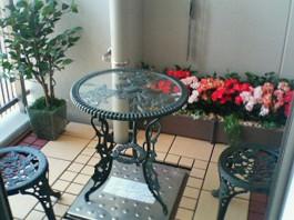 福岡県福岡市早良区のマンションのベランダをおしゃれなガーデンへリフォームした工事。