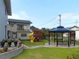 福岡県大野城市のお庭・ガーデン工事。子どもが安全に楽しく遊べる癒しのガーデン例。