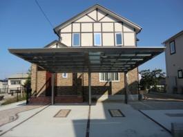 福岡県福岡市西区のカーポート工事。シンプルモダンな家にマッチするおしゃれな2台用。
