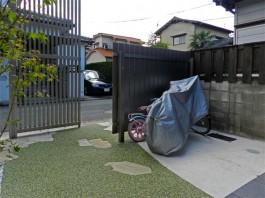 福岡県福岡市早良区のスタイリッシュモダンなゲートがある新築外構工事の施工例。
