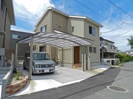福岡県春日市のカーポート・車庫工事。屋根をカットしたカーポート・屋根のデザイン例。