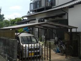 福岡県春日市のカーポート・伸縮門扉・サイドパネルを付けた外構エクステリアリフォーム前。
