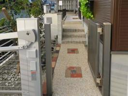 福岡県太宰府市の新築外構・門まわり・玄関工事例。おしゃれでモダンなデザイン外構。
