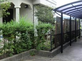 福岡県筑紫野市の庭・ガーデンに目隠し用のフェンス取付前。フェンスでお庭を囲う工事前。