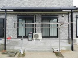 福岡県筑紫野市の庭・ガーデンにテラス・屋根工事をした例。庭・外で洗濯物を干せます。