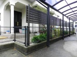 福岡県筑紫野市の庭・ガーデンに目隠し用のフェンス取付。フェンスでお庭を囲う工事。