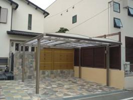 福岡県春日市の2台用のワイドカーポートと和風な竹の目隠しフェンスリフォーム工事。