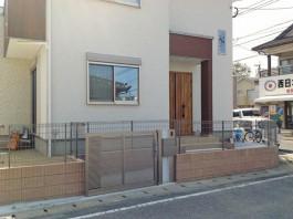 福岡県大野城市の門まわり、門扉、スライド式門扉、引き戸、ポスト・表札付き門柱工事例。