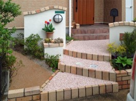 お庭のデザインとマッチした美しい外構エクステリアへリフォームしました。