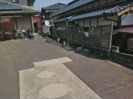 門まわりの外構リフォーム工事前の写真です。