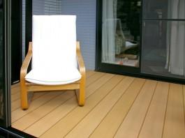 ガーデンルームの中にお気に入りの家具を置いてリラックスしてください。