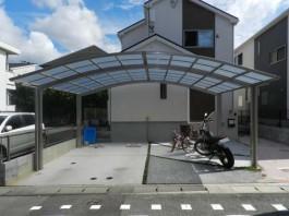 福岡県春日市のカーポートを駐車場に設置したお客様の例です。車庫も広げました。
