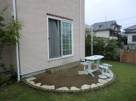 ガーデンルームをつける前のお庭の様子です。