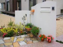 福岡県糸島市の玄関アプローチが素敵な新築外構工事。