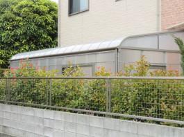 福岡県うきは市の外溝リフォーム工事。庭に大きなサンルームを取り付け。