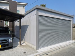 福岡県飯塚市の戸建新築外構工事です。車庫にカーポートとガレージを施工しました。