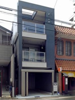 3福岡県福岡市博多区の外溝リフォーム工事。車庫の入口にゲートを取り付け。