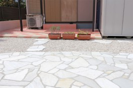 福岡県八女市 M様邸 雑草対策施工例(リフォーム)