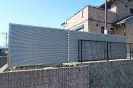 福岡県糟屋郡 N様邸 目隠しフェンス施工例、十字路から見えないようにフェンスを施工。
