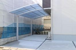 福岡県福岡市 M様邸 カーポート施工例、後にはタイルテラスの寛ぎ空間!