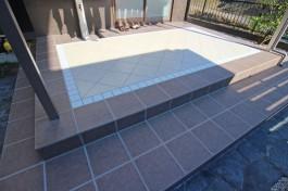 福岡県糟屋郡 K様邸 お庭施工例、独特のデザインのタイルテラスを施工しました!