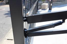 福岡市K様邸に、ワイドオーバードアを施工しました